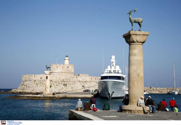 Ρόδος: Αυξάνονται οι αφίξεις από τη Γαλλία – Ετοιμάζονται αφιερώματα για τις ομορφιές του νησιού!