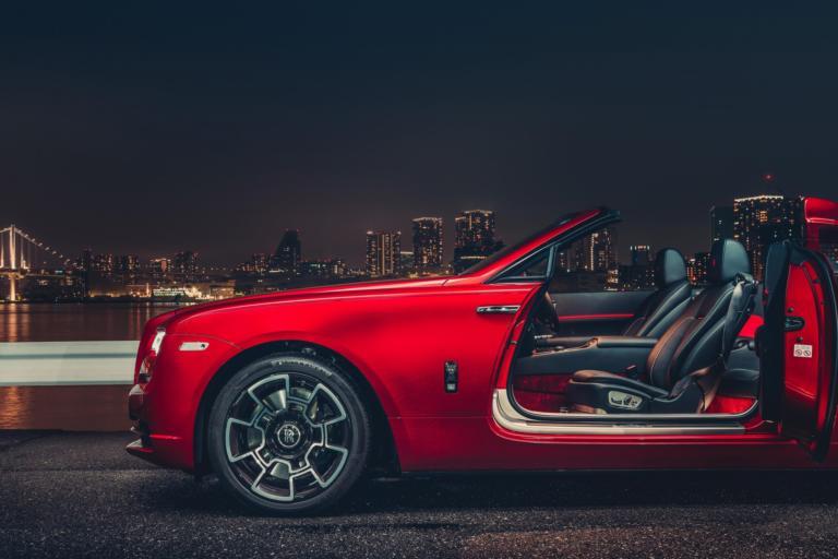 Οι Rolls-Royce Black Badge φωτογραφίζονται στο Τόκιο [pics]