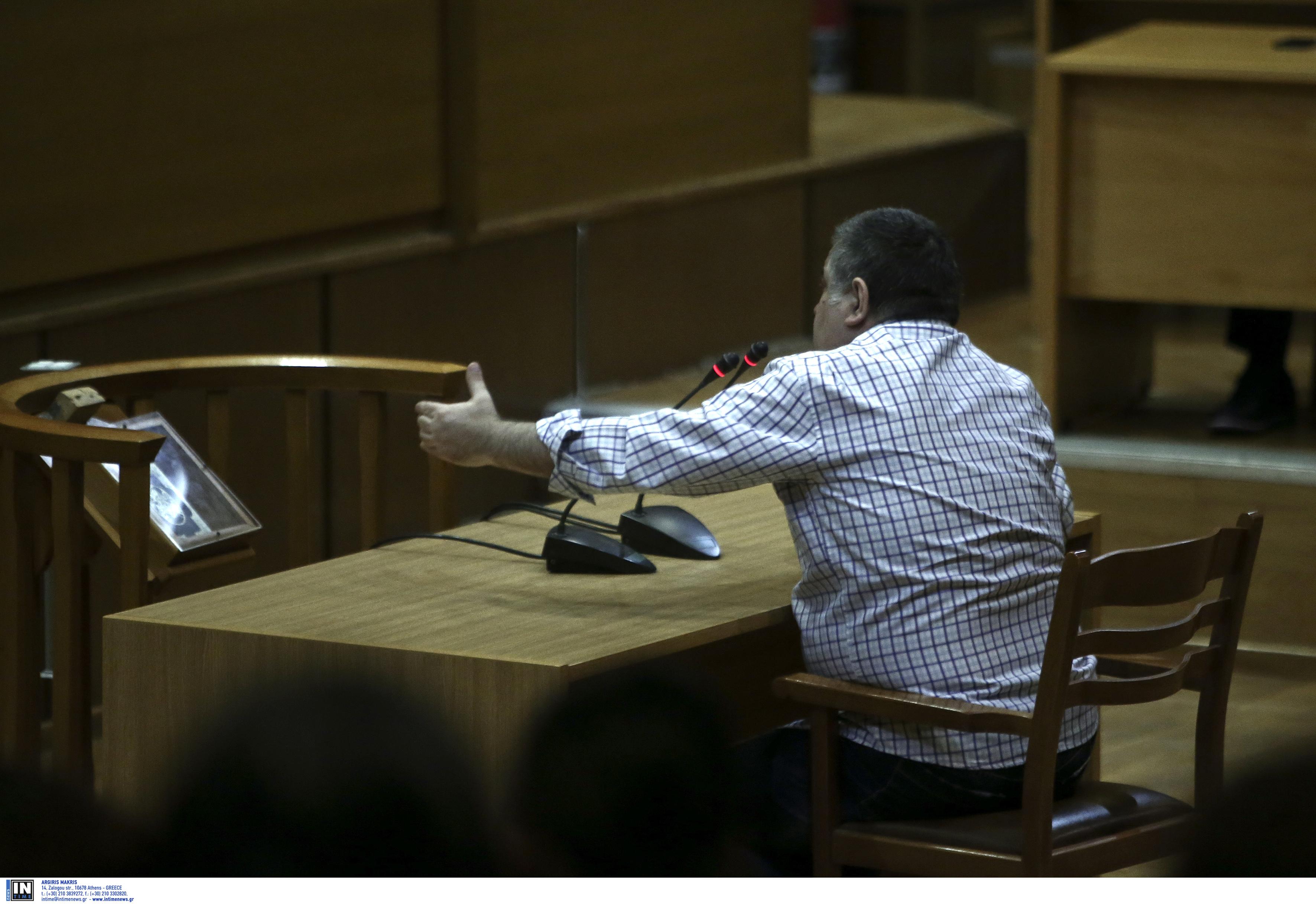 Απολογία Ρουπακιά: Ο δολοφόνος του Παύλου Φύσσα προσπάθησε να τα μαζέψει