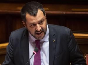 Ιταλία: Νέο «όχι» από Σαλβίνι σε πλοίο που μεταφέρει μετανάστες