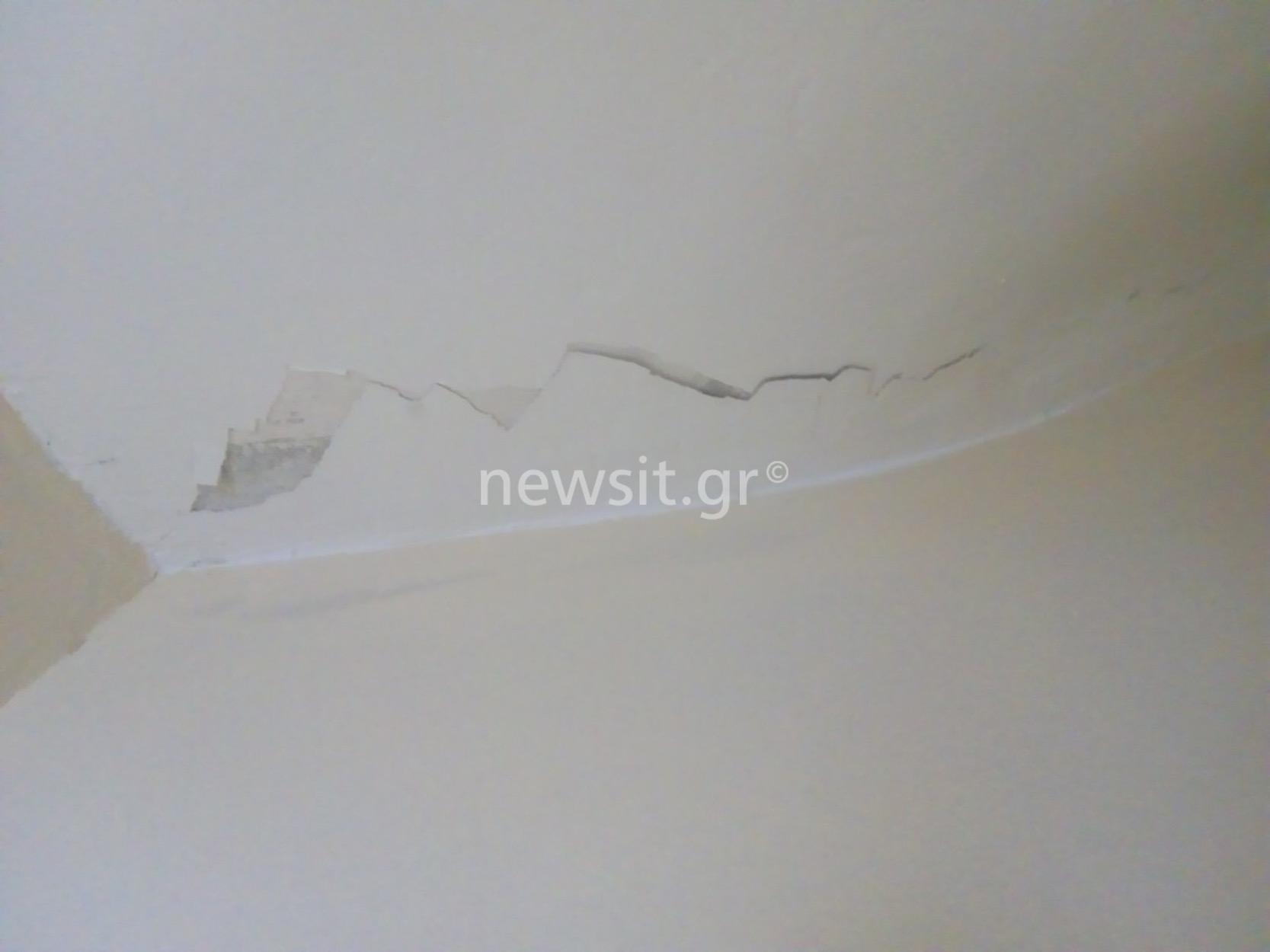 Σεισμός στην Αθήνα: Ζημιές σε σπίτια σε Μάνδρα και Περιστέρι [pics]