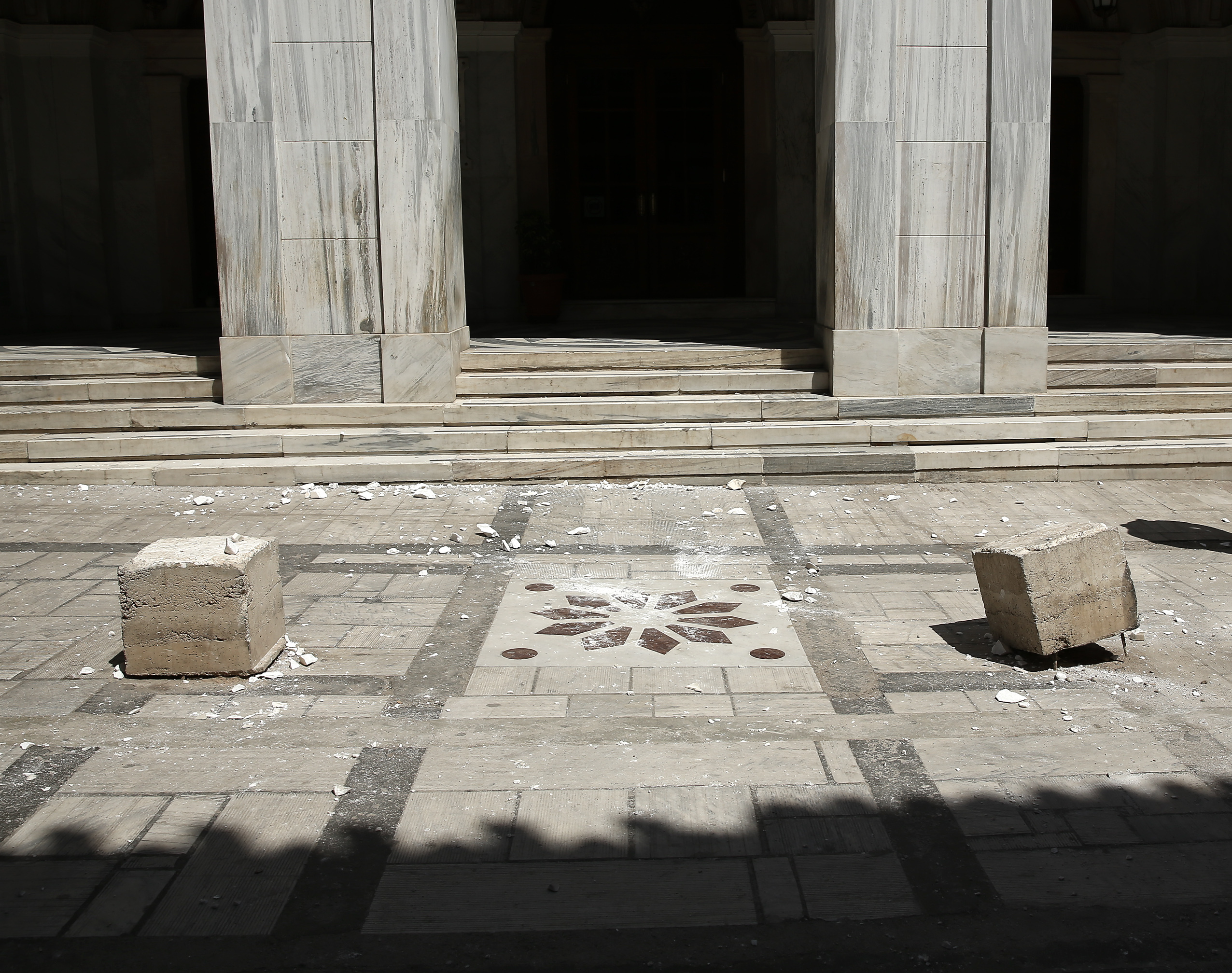 """Σεισμός στην Αθήνα: Στο """"πόδι"""" ο Δήμος Αθηναίων – Ξεκίνησαν έλεγχοι σε κτίρια"""