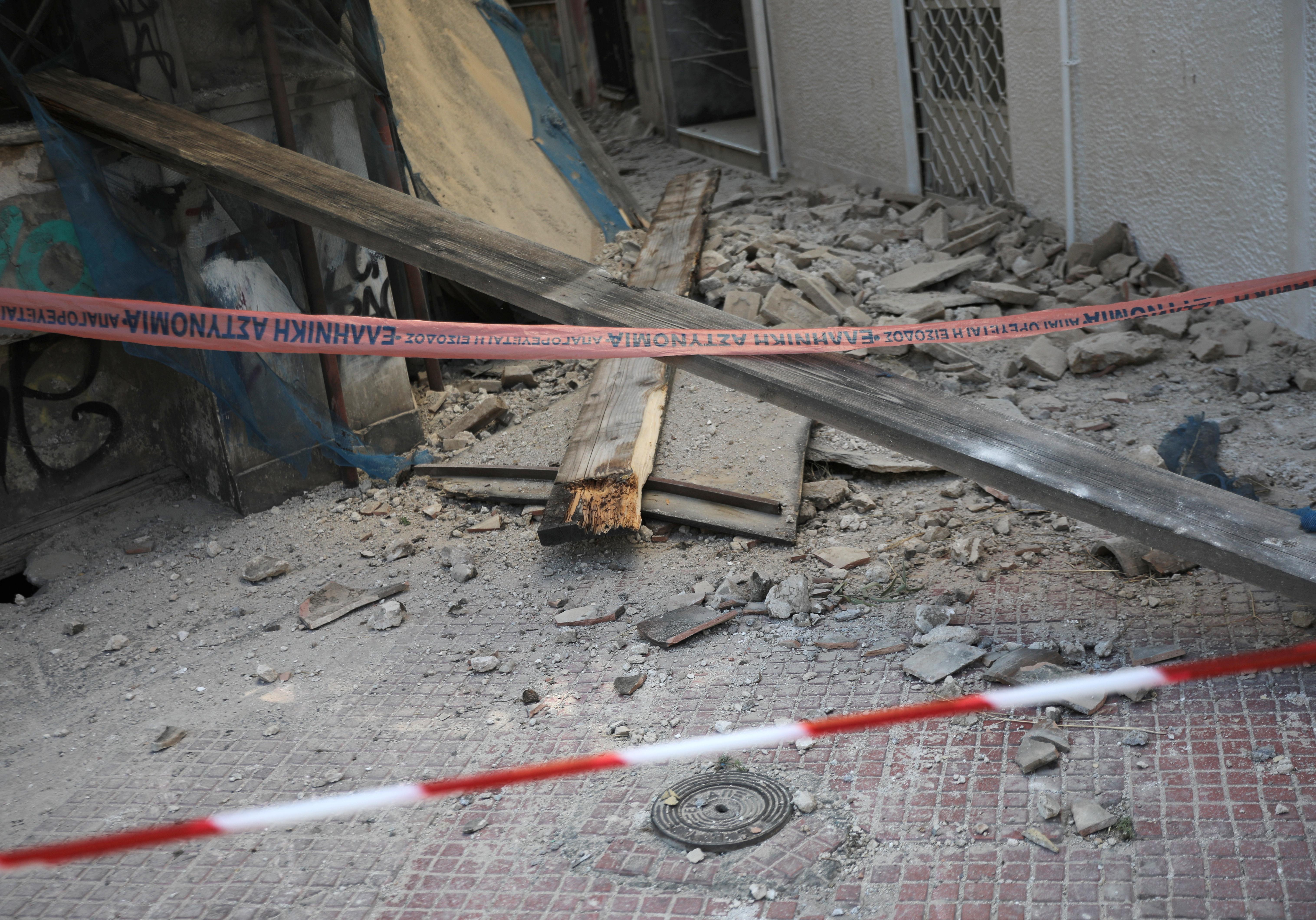 Σεισμός στην Αθήνα: Πάνω από 10.000 αυτοψίες σε κτίρια με ζημιές