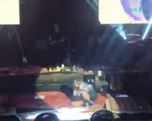 Το απίστευτο ατύχημα της Sertab! Έπεσε στην διάρκεια συναυλίας! [video]