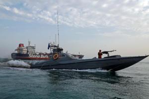Ιράν: Οι διάλογοι των Φρουρών της Επανάστασης με το πλήρωμα βρετανικού πολεμικού πλοίου