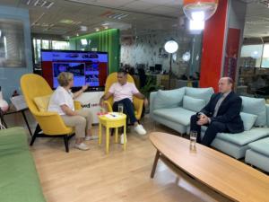 Newsit – Σύσκεψη: Το προσφυγικό, ο Τσακαλώτος και… καλό καλοκαίρι!
