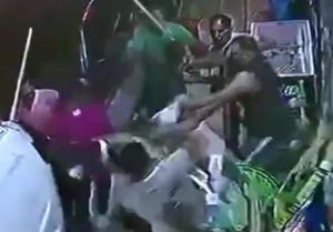 Θεσσαλονίκη: 61 συλλήψεις μετά την αιματηρή συμπλοκή – Το βίντεο ντοκουμέντο της άγριας μάχης – video