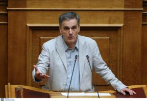 Τσακαλώτος: Να απαντήσει η κυβέρνηση που θα βρει τα 1,8 δισεκ. ευρώ