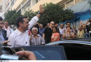 Ψήφισε στην Κυψέλη ο Αλέξης Τσίπρας – video