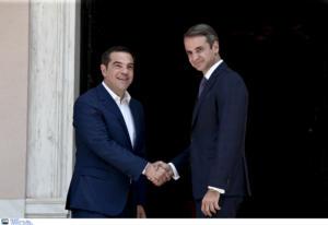 Guardian: Μητσοτάκης, ο πρωθυπουργός με ριζικά διαφορετικό στιλ