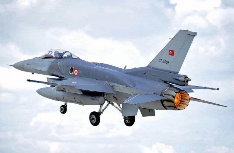 Μπαράζ παραβιάσεων πάνω από το Αιγαίο από οπλισμένα τουρκικά F-16