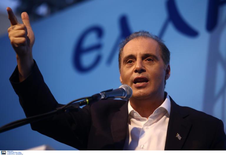 """Ελληνική Λύση: Στα κρατητήρια ο Θανάσης Νασίκας μετά από μήνυση του Κυριάκου Βελόπουλου – """"Σκοτωμός"""" μετά τις εκλογές!"""