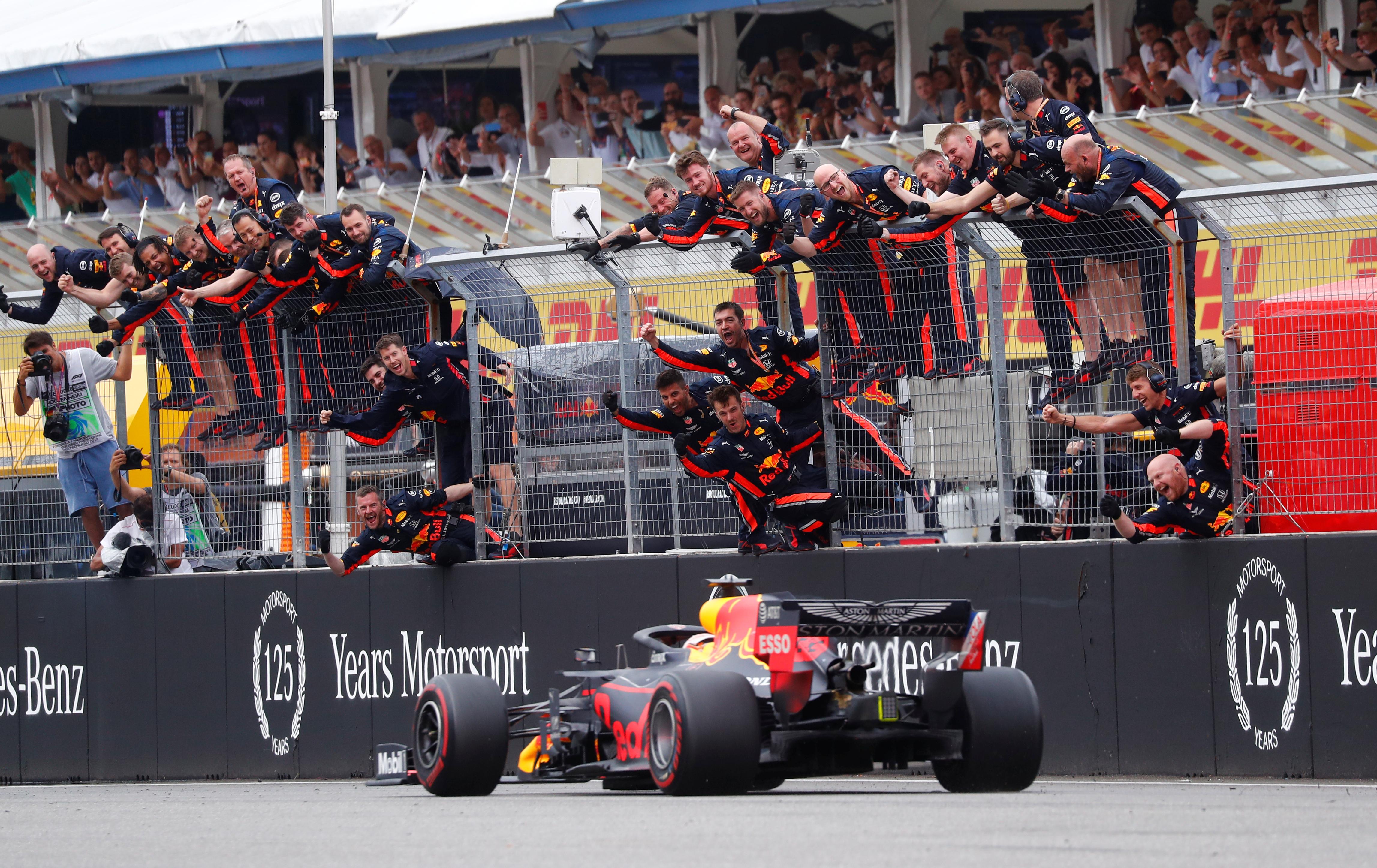 Formula 1: Χαμός στη Γερμανία! Πρωτιά για Φερστάπεν – videos