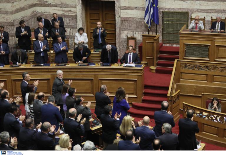 Βουλή live: Με 158 «ναι» η ψήφος εμπιστοσύνης στην κυβέρνηση Μητσοτάκη!