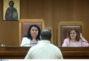 Δίκη Χρυσής Αυγής: Ένταση έξω από το δικαστήριο