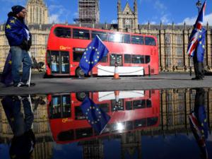 Προειδοποίηση – βόμβα: Σοκ και δέος για την βρετανική οικονομία από ένα Brexit χωρίς συμφωνία