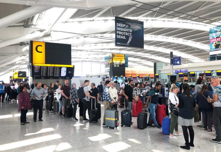 Δωδεκάωρη (!) ταλαιπωρία για δεκάδες χιλιάδες επιβάτες της British Airways