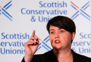Brexit: Παραιτήθηκε η δημοφιλής επικεφαλής των Τόρις στην Σκωτία!