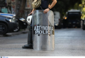 """Εισαγγελέας και ΕΔΕ για τον συνδικαλιστή της Αστυνομίας που είπε """"σκόνη"""" τους μετανάστες"""