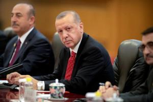 Ερντογάν: Με «ασπίδα» τους πρόσφυγες επιχειρεί να «καθαρίσει» τα σύνορά του