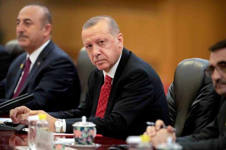 O Ερντογάν «τα είπε» τηλεφωνικώς με τον Πούτιν και «έκανε παράπονα» για την Συρία