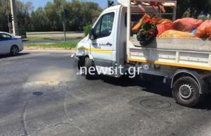 Τραγωδία στην παραλιακή! Νεκρός οδηγός μηχανής που συγκρούστηκε με δημοτικό αυτοκίνητο! [pics]