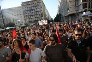 Στους δρόμους υπέρ του ασύλου κατέβηκαν φοιτητές σε Αθήνα, Θεσσαλονίκη