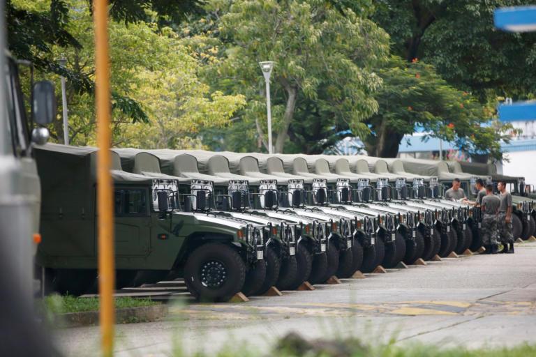 Χονγκ Κονγκ: Απαγορεύτηκε η διαδήλωση υπέρ της δημοκρατίας – Επίδειξη δύναμης του στρατού