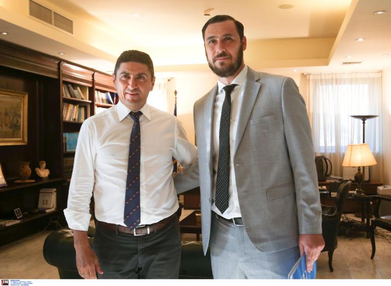 """Συνάντηση… κορυφής! Τα είπε ο Αυγενάκης με τις """"κεφαλές"""" του ελληνικού ποδοσφαίρου"""