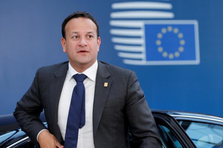 Ιρλανδία: Στάση αναμονής από τον Βαράντκαρ για τις εξελίξεις στο θέμα του Brexit