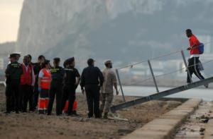 """Πολεμικό πλοίο που μετέφερε μετανάστες από το """"Open Arms"""" έφτασε σε ισπανικό λιμάνι"""