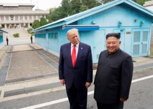 """""""Άκυρο"""" από Τραμπ στην πρόσκληση του Κιμ Γιονγκ Ουν – """"Δεν είναι ώρα να επισκεφθώ την Βόρεια Κορέα"""""""