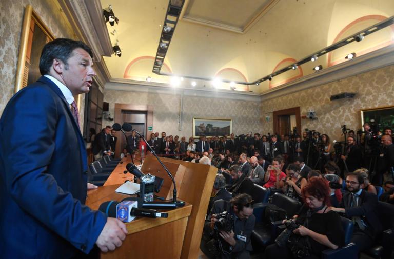Ρέντσι: Κίνδυνος ύφεσης αν γίνουν πρόωρες εκλογές στην Ιταλία