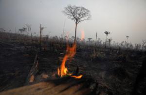 Βραζιλία: «Δεν υπάρχει συνεργασία με τις ΗΠΑ για την κατάσβεση των πυρκαγιών»