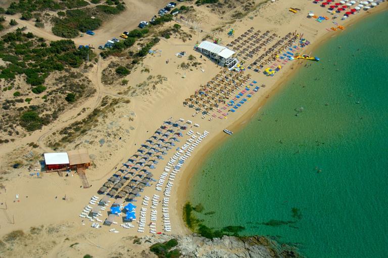 Η ελληνική παραλία που συνδυάζει… Καραϊβική και Κυκλάδες! [pics]