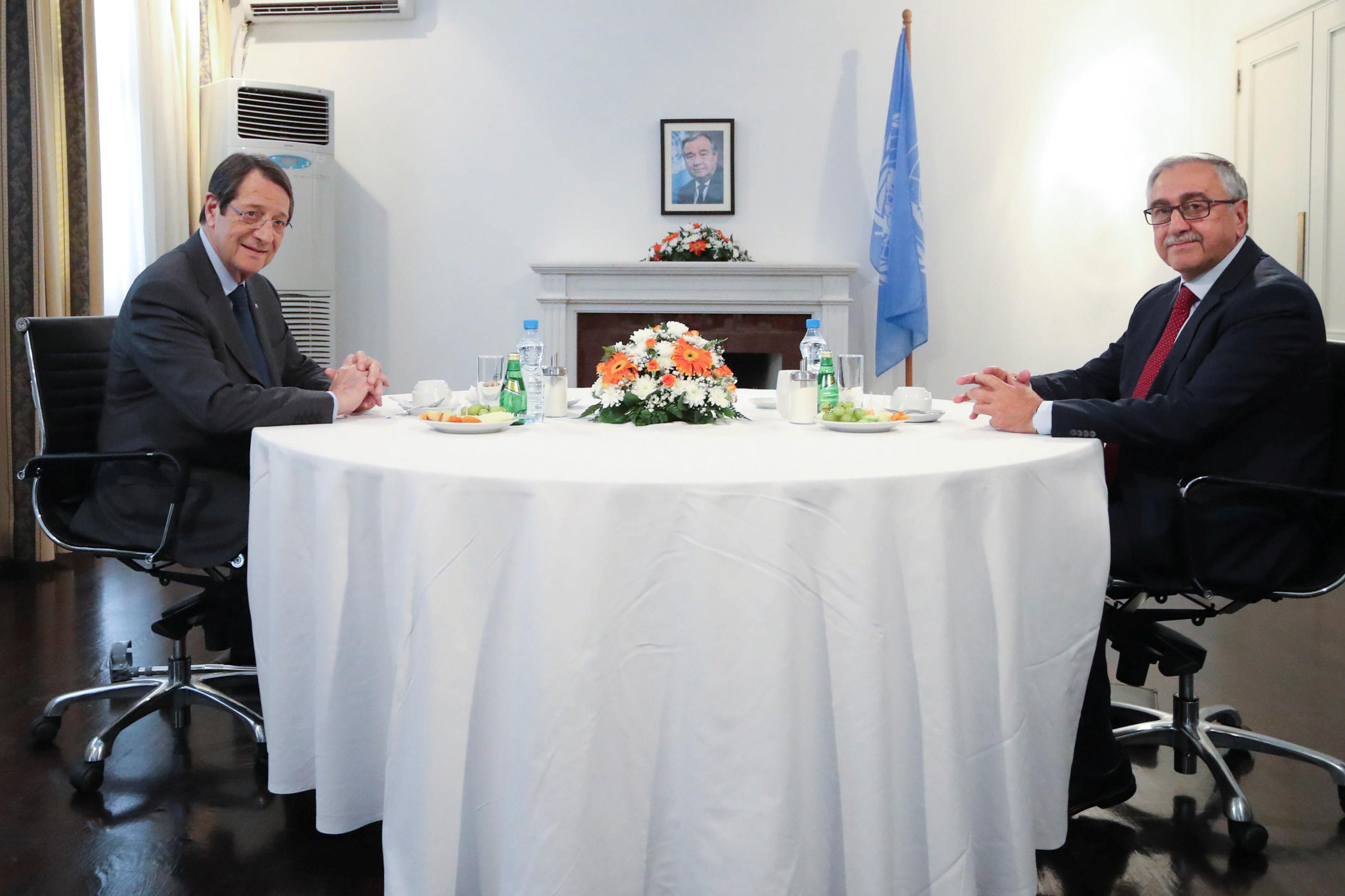 Τις παράνομες ενέργειες της Τουρκίας στην κυπριακή ΑΟΖ κατήγγειλε ο Αναστασιάδης στη συνάντηση του με τον Ακιντζί