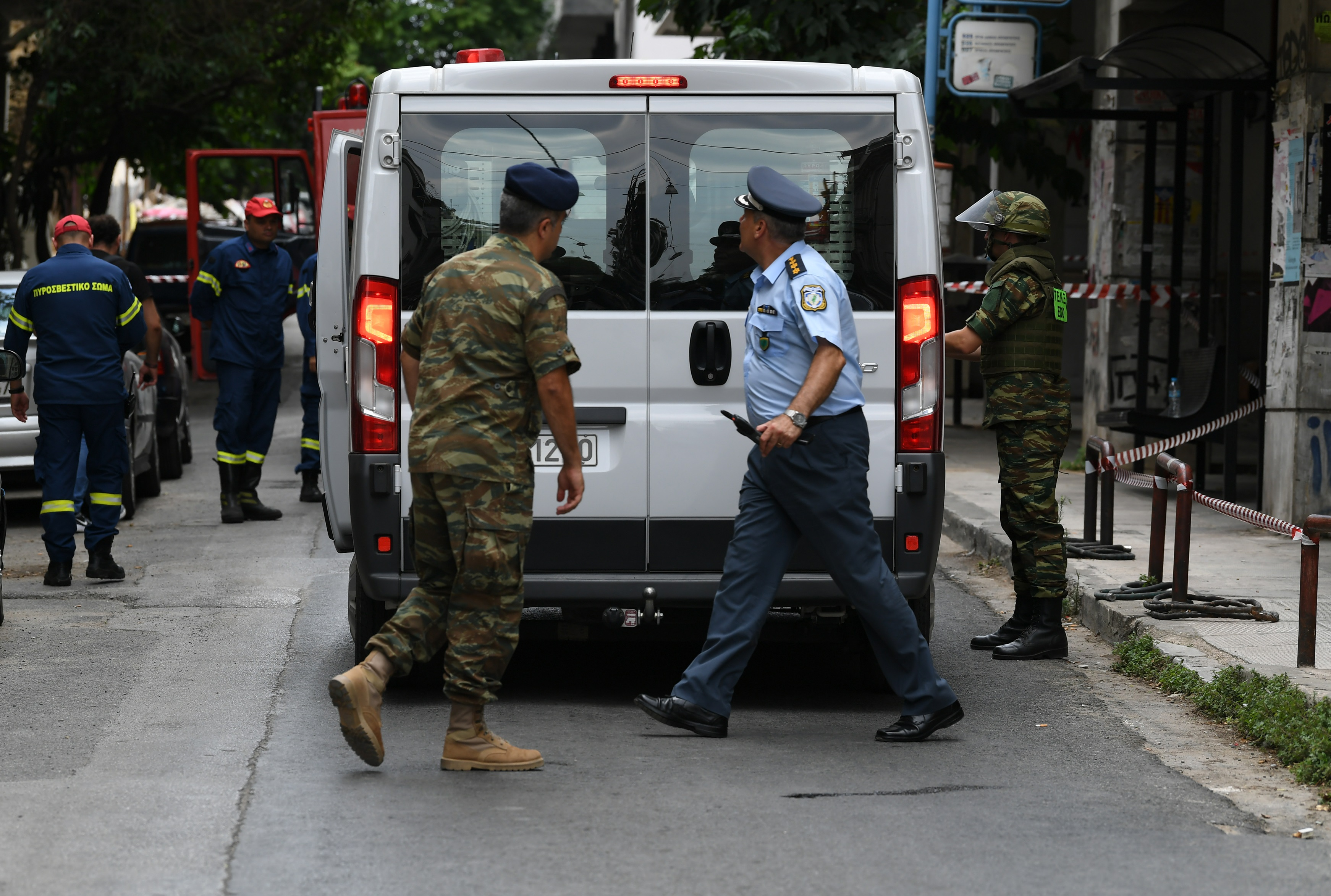 Κλεμμένο πιστόλι αστυνομικού στην κατοχή εμπόρου ναρκωτικών στα Εξάρχεια!