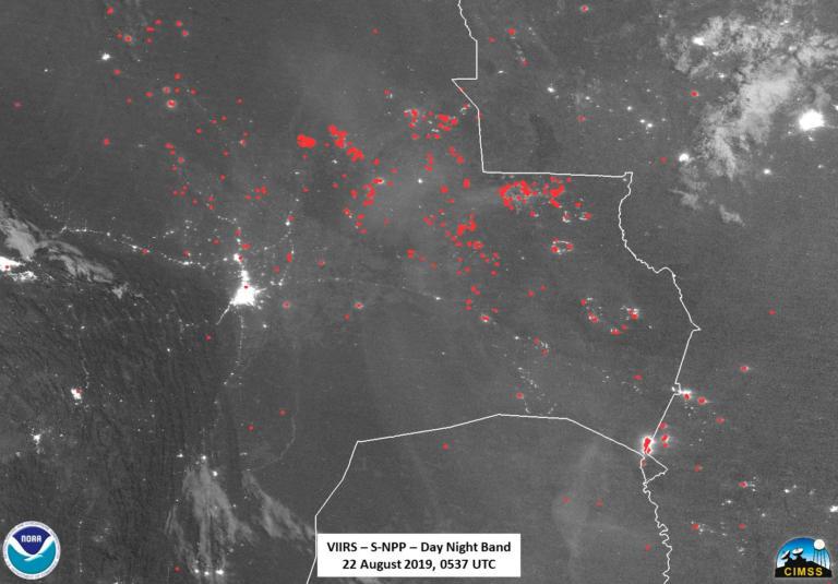Χιλιάδες στρέμματα δάσος καίγονται σε Βολιβία και Παραγουάη