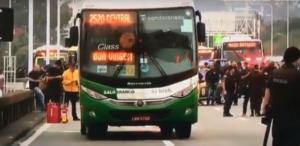 Βραζιλία: Ένοπλος έχει συλλάβει ως ομήρους 16 επιβάτες λεωφορείου στο Ρίο ντε Ζανέιρο