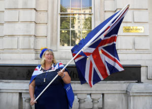 Δημοσκόπηση: Brexit «πάση θυσία» θέλει η πλειοψηφία των Βρετανών