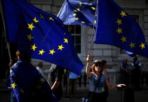 Brexit χωρίς συμφωνία: Τι πρέπει να κάνουν οι πολίτες της Ε.Ε που μένουν στην Βρετανία