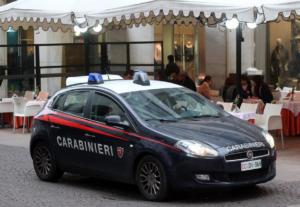 Οργή στην Ιταλία: Έριξαν σκουπιδοτενεκέ σε σκηνή, τραυματίστηκε σοβαρά 12χρονος τουρίστας