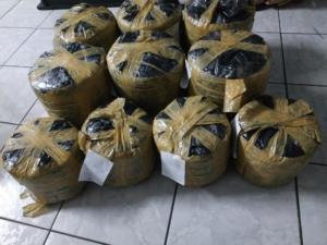 Η αστυνομία συνέλαβε στα Πατήσια 29χρονο με 27 κιλά χασίς [pics]