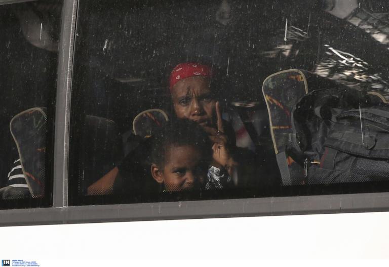 Διεθνής Αμνηστία για πρόσφυγες από τα Εξάρχεια: Μεταφέρονται σε χώρους με ακατάλληλες συνθήκες