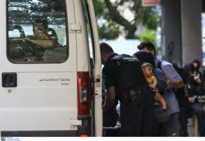 ΜέΡΑ25 για Εξάρχεια: Σαλβινική επιχείρηση με στόχο καταλήψεις προσφύγων