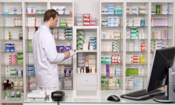 Διευκρινίσεις από τους φαρμακοποιούς για τα ακριβά φάρμακα