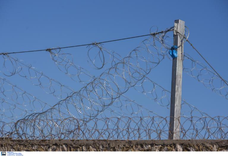 Η πρώτη απόδραση στα 100 χρόνια λειτουργίας των φυλακών του Ποτζορεάλε της Νάπολης