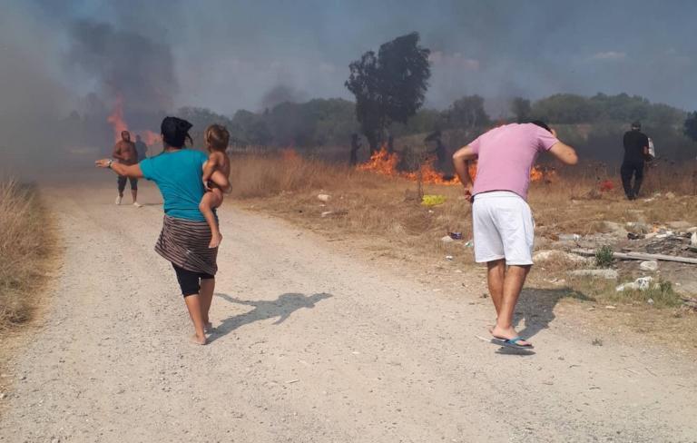 Μεγάλη φωτιά στη νότια Κέρκυρα – Εκκενώνονται δύο χωριά