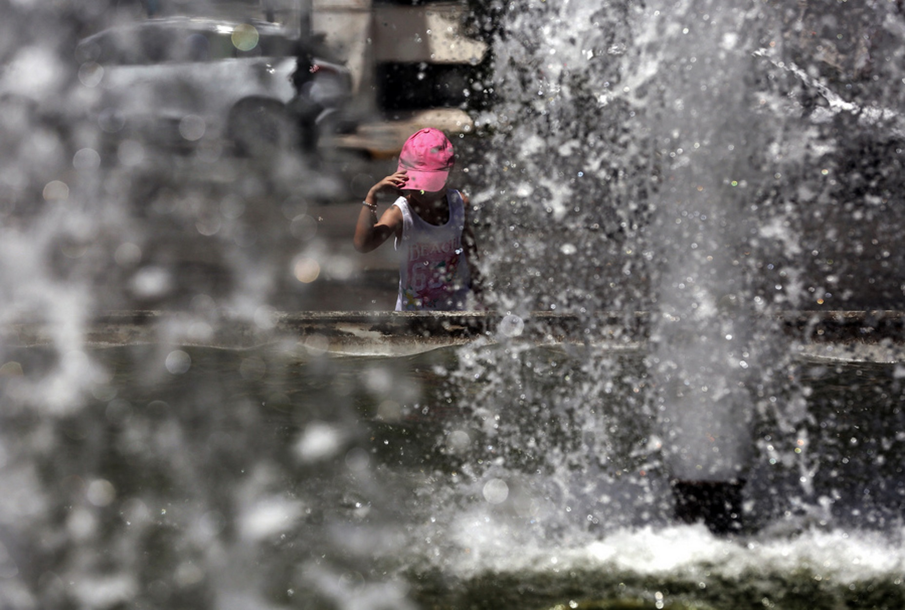 """Καιρός αύριο: """"Προθέρμανση"""" για τον επερχόμενο καύσωνα – 8 μποφόρ στο Αιγαίο"""