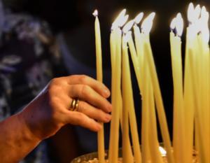 Κέρκυρα: Μοιράστηκαν οι «κορδέλες» της Παναγιάς στον Ιερό Ναό της Υπεραγίας Θεοτόκου Ελεούσης Μανδουκίου